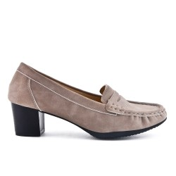 Taupe pump in faux suede with heel