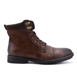 Brown ankle boot with lace