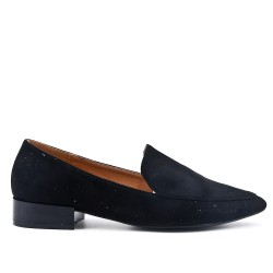 Black moccasin with pointed toe