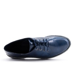 Navy Derby in lace-up lacquer