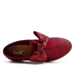 Red derby in faux suede with bow