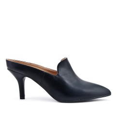 Black flap in imitation leather with heel