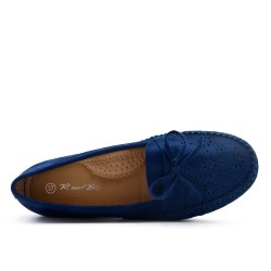 Blue moccasin in faux suede with small wedge