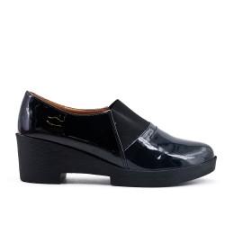 Black high heel polish pump