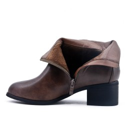 Ankle boots in imitation leather with square heels
