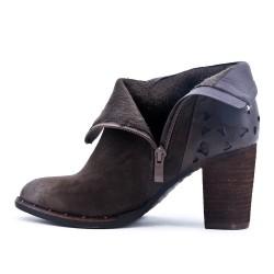 Khaki boot with heel wood effect