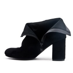 Black ankle boot with bow suede