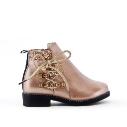 Golden girl boot with lace on the side