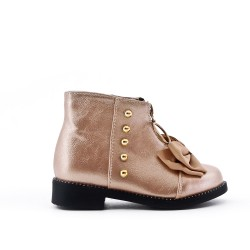 Golden girl boot with bow