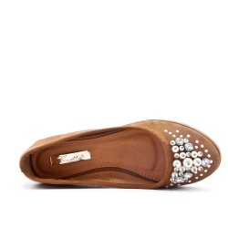 Camel comfort shoe with pearls
