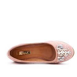 Pink comfort shoe with pearls