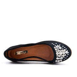 Black comfort shoe with pearls