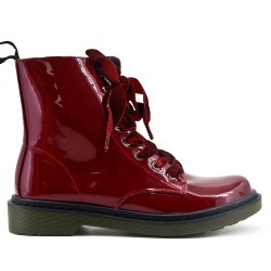 Burgundy boots in lacquer with ribbon lace