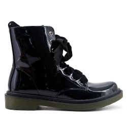 Black ankle boot with ribbon lacing