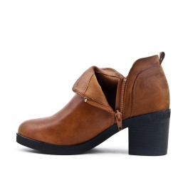 Bi-material camel boot with heel