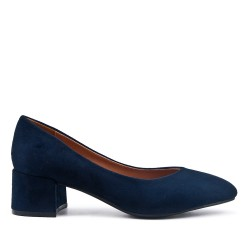 Navy pump in faux suede with small heels