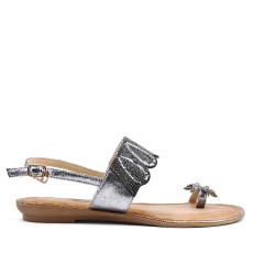 Gray sandal with toe ring in large size