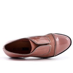Two-material pink lace derby