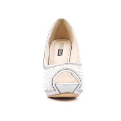 Silver shoe with pearl and heel