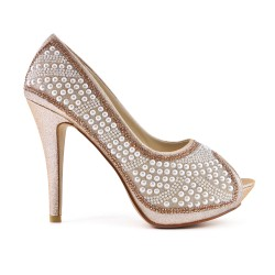 Champagne pump with pearl and heel
