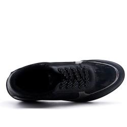 Basket noire avec plateforme