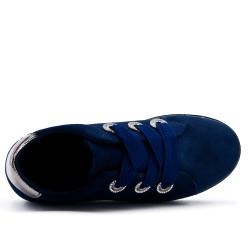 Basket bleu marine en simili daim à lacet