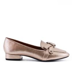 Golden pump with heel