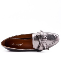 Silver low heel pump