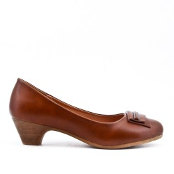 Camel pump in faux leather