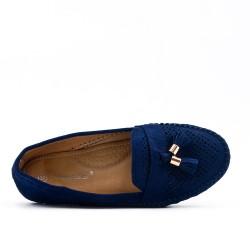 Mocassin confort bleu en simili daim à pompon