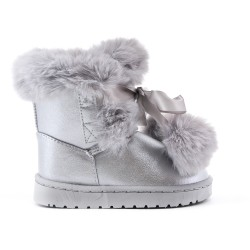 Girl's boot with silver fur and tassel