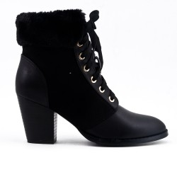 Black ankle boot in faux fur leather
