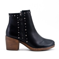 Black ankle boot in zipped faux leather