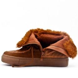 Flat camel fur boot