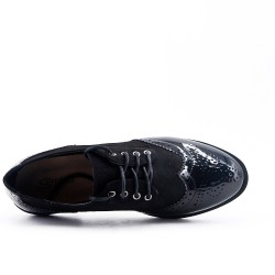 Black Derby in lace-up lacing