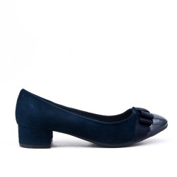 Two-material low-heeled blue pump