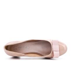 Two-material pink low heel pump