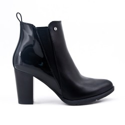 Black ankle boots in high heel faux leather