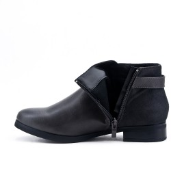 Bi-material gray flanged boot