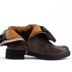Brown bi-material boot with flanges
