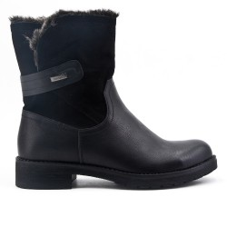 Bi-material black boot with flanges