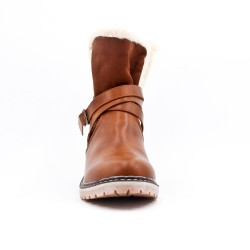 Camel boot in faux leather with flanges