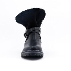 Bota de cuero negro con bridas