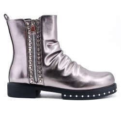 Gray ankle boot in zipped faux leather
