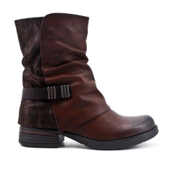 Brown boot in faux leather