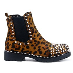 Leopard boot with studs and heel
