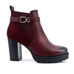 Bi-material burgundy boot with heel
