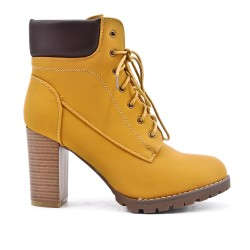 Camel lace-up boot with heel