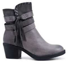 Gray ankle boot with tassel