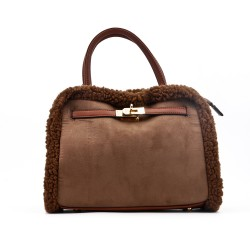 Handbag with fur